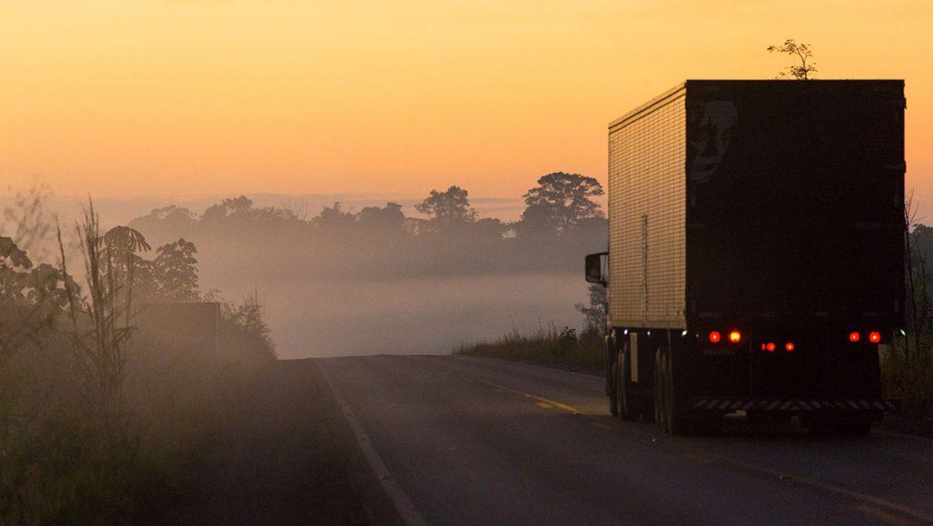 caminhão na estrada - shell rimula