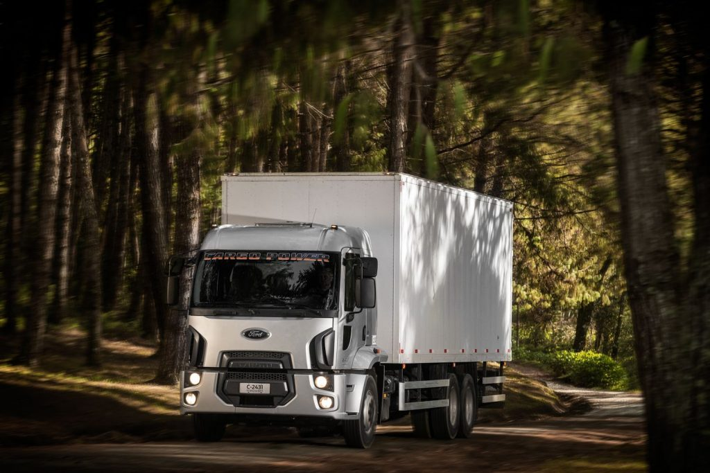 Ford Caminhões lança caminhões médios mais potentes e fortes