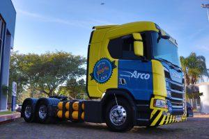 Transportadores compram Scania GNV para oferecer um serviço diferenciado de transporte