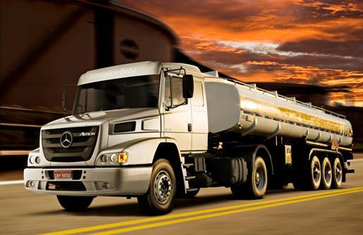 Mercedes encerra a produção do Atron, último caminhão bicudo do Brasil