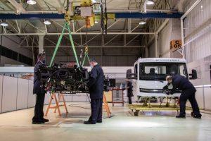 Caminhão e-Delivery começa a ser produzido em Resende