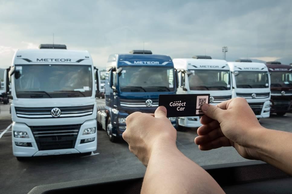 caminhões e ônibus