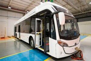 Ônibus híbrido da Itaipu está quase pronta para rodar
